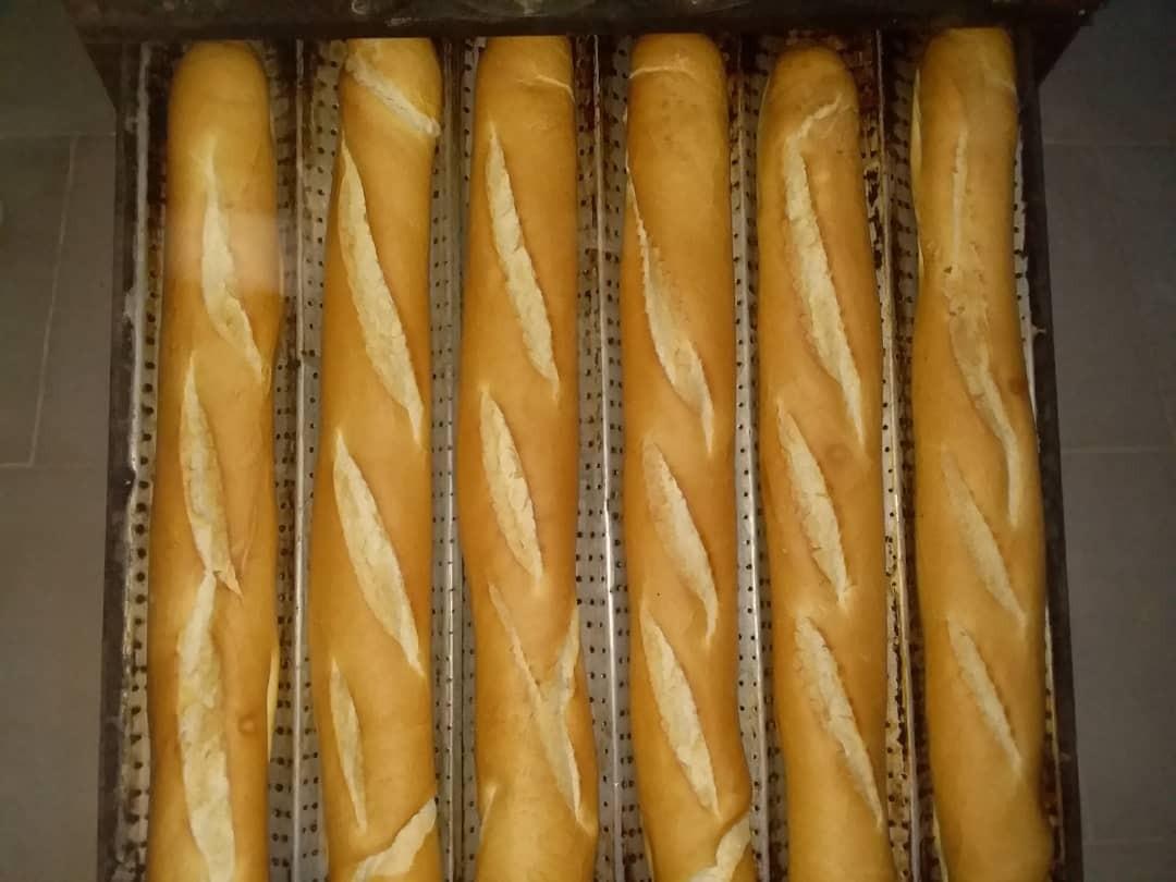 La baguette pain doré