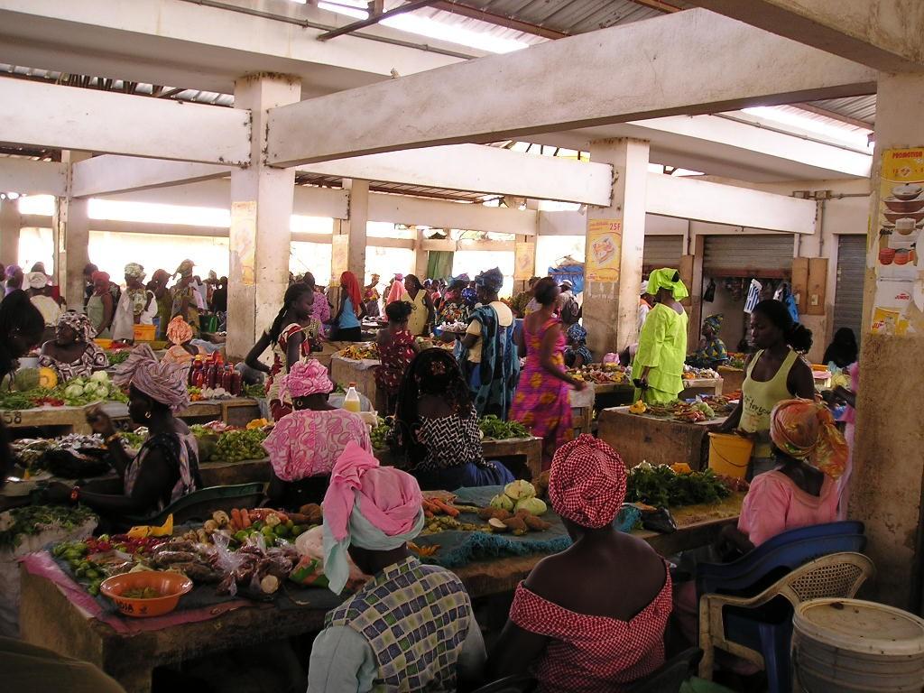 Le marché couvert de N'Guekokh